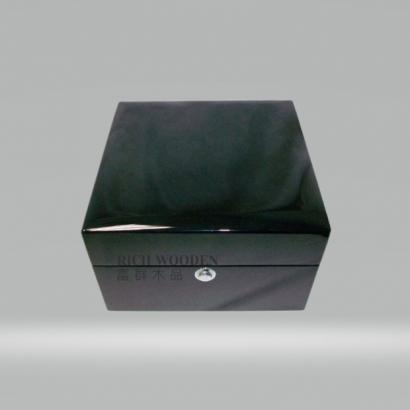 watch box-1.jpg